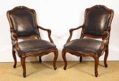 Pair of Louis XV Style Walnut Fauteuil - 735776