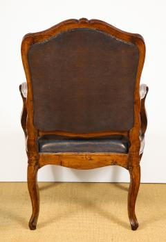 Pair of Louis XV Style Walnut Fauteuil - 735781