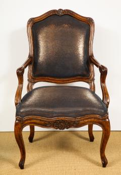 Pair of Louis XV Style Walnut Fauteuil - 735787
