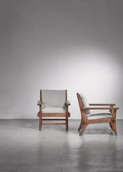 Pair of Mexican Modernist pine armchairs - 1702763
