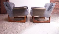 Pair of Mid Century Modern Floating Lounge Chairs in Walnut and Velvet - 1072571