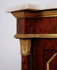 Pair of Royal antique corner cabinets from Windsor Castle - 1443657