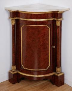 Pair of Royal antique corner cabinets from Windsor Castle - 1443659