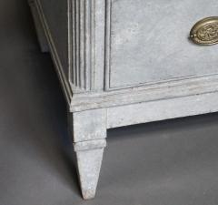 Pair of Swedish Neoclassical Chests of Drawers - 511502