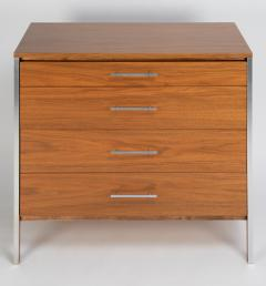 Paul McCobb Paul McCobb Pair of Bedside Chests In Walnut and Aluminum 1960s - 1923466