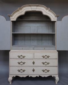 Period Rococo Cabinet with Original Hardware - 513438