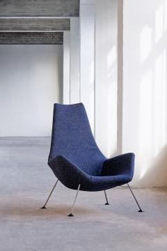 Peter Hoyte Peter Hoyte Lounge Chair in Blue Raf Simons Boucl Fabric United Kingdom 1960s - 823384