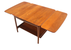Peter Hvidt Solid Teak Scandinavian Modern Drop Leaf Side Table by Peter Hvidt - 1480700