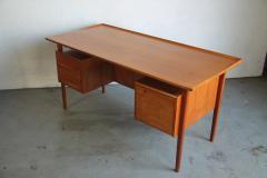 Peter L vig Nielsen Peter Lovig Nielson Designed Floating desk - 1089729