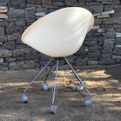 Philippe Starck Eros White Eiffel Swivel Chair Wire Base on Wheels Philippe Starck for Kartell - 1772737