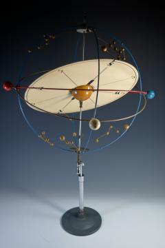 Planetarium Orrery Moveable Desk Display Model of the Solar System - 1108938