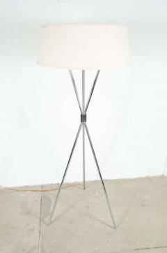 Polished Chrome Tripod Reading Lamp by T H Robsjohn Gibbings - 775165