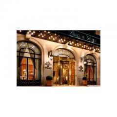 Prince de Galles Hotel Elegant Pair of Sconces Paris circa 1940 - 776434