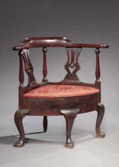 Queen Anne Corner Chair - 462807