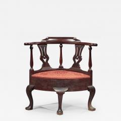 Queen Anne Corner Chair - 463950