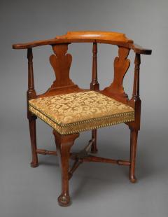 Queen Anne Pad Foot Corner Chair Salem Massachusetts Circa 1755 - 155851