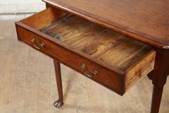 Queen Anne Pad Foot Oak Table - 1952977