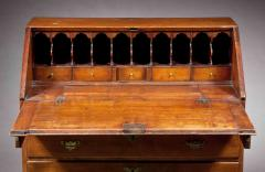 Queen Anne Slant Lid Desk - 129527