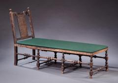 RARE WILLIAM AND MARY DAYBED - 1345264