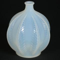 Ren Lalique Lalique Co Rene Lalique Opalescent Glass Malines Vase - 1754994