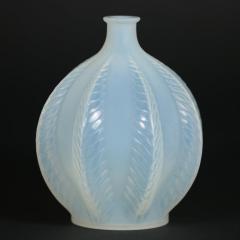 Ren Lalique Lalique Co Rene Lalique Opalescent Glass Malines Vase - 1754995