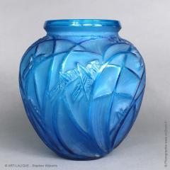 Rene Lalique A R Lalique Bleu Electric Grasshoppers 1912 Vase - 1414257
