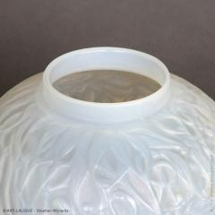 Rene Lalique An Opalescent Gui Vase Designed By R Lalique In 1920 - 1414272