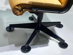 Richard Sapper Pair of Richard Sapper For Knoll Executive Desk Chairs - 2085940