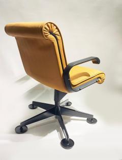 Richard Sapper Pair of Richard Sapper For Knoll Executive Desk Chairs - 2085945