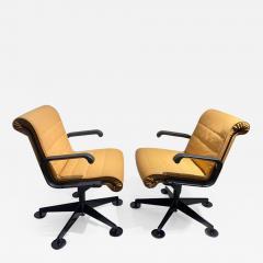Richard Sapper Pair of Richard Sapper For Knoll Executive Desk Chairs - 2086715