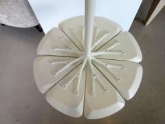 Richard Schultz Vintage White Richard Schultz for Knoll Petal Side Table - 294117