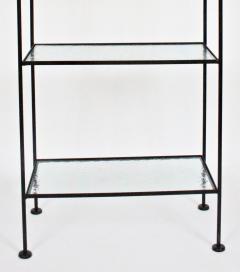 Russell Woodard Woodard Furniture Russell Woodard Four Shelf tag re in Black Iron and Art Glass 1950s - 1800445