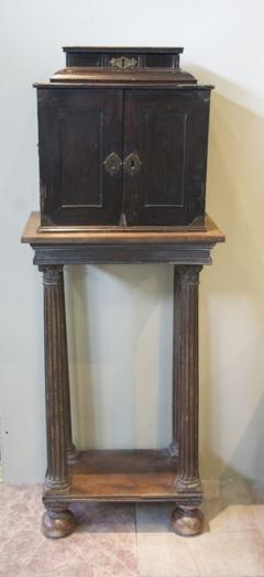 SIR WALTER SCOTT FLEMISH EBONY VENEERED TABLE CABINET ON STAND - 924732