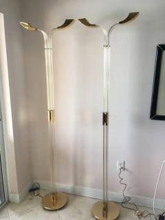STUNNING MODERNIST ITALIAN PAIR OF BRASS AND LUCITE FLOOR LAMPS - 864777
