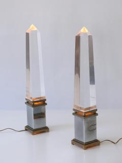 Sandro Petti Set of Two Lucite Obelisk Table Lamps by Sandro Petti for Maison Jansen France - 2134143