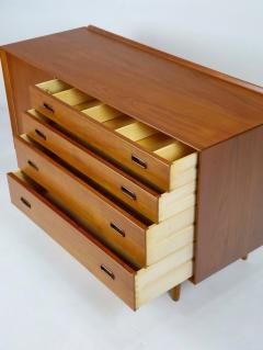 Scandinavain Modern Teak Oak Cabinet Designed by Arne Vodder - 2007995