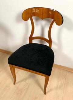 Set of Four Biedermeier Shovel Chairs Cherry Veneer South Germany circa 1820 - 1808517