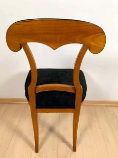 Set of Four Biedermeier Shovel Chairs Cherry Veneer South Germany circa 1820 - 1808518