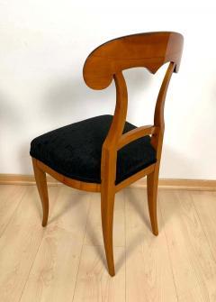 Set of Four Biedermeier Shovel Chairs Cherry Veneer South Germany circa 1820 - 1808519
