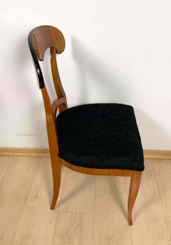 Set of Four Biedermeier Shovel Chairs Cherry Veneer South Germany circa 1820 - 1808520