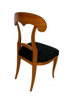 Set of Four Biedermeier Shovel Chairs Cherry Veneer South Germany circa 1820 - 1808525