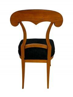 Set of Four Biedermeier Shovel Chairs Cherry Veneer South Germany circa 1820 - 1808526