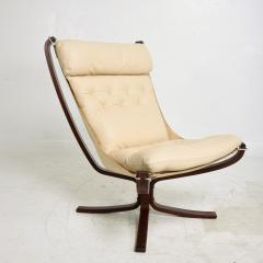 Sigurd Ressell 1970s Tall Falcon Chair Sigurd Ressell for Vatne M bler Ivory Leather NORWAY - 1589336