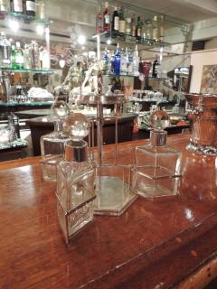 Silver and Glass Swingout Tantalus - 1418320