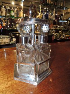 Silver and Glass Swingout Tantalus - 1418339