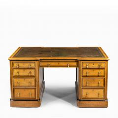 Small Victorian oak and ebony partner s desk attributed to Holland and Son - 1128321