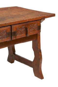 Spanish 17th century table - 1658875