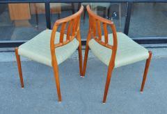 Spectacular Sculptural Set of 6 Model 83 Moller Chairs in Celery Tweed - 2093806
