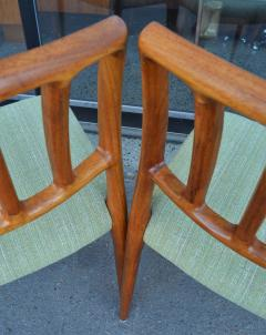 Spectacular Sculptural Set of 6 Model 83 Moller Chairs in Celery Tweed - 2093810
