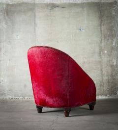 Spoonback Armchair in Red Cowhide Upholstery - 406833